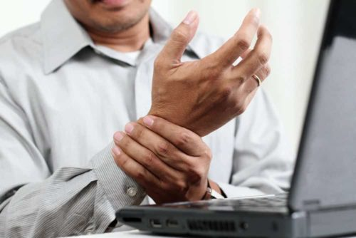 carpel tunnel pain wrist male