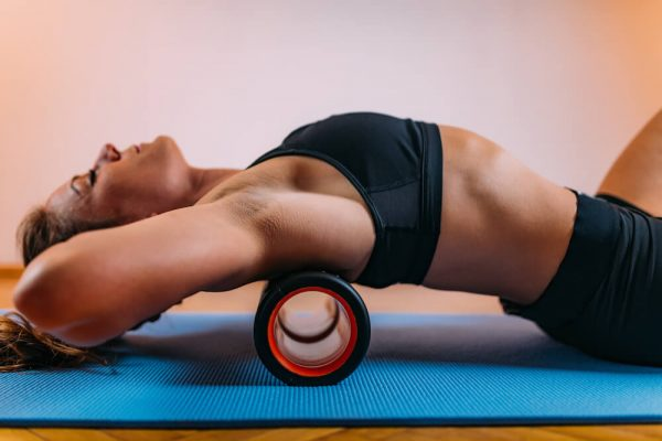 foam-roller-back-stretching-back-spams-pain-relief-at-home